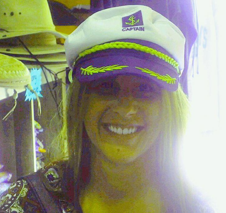 ZOEY CAPTAINS HAT